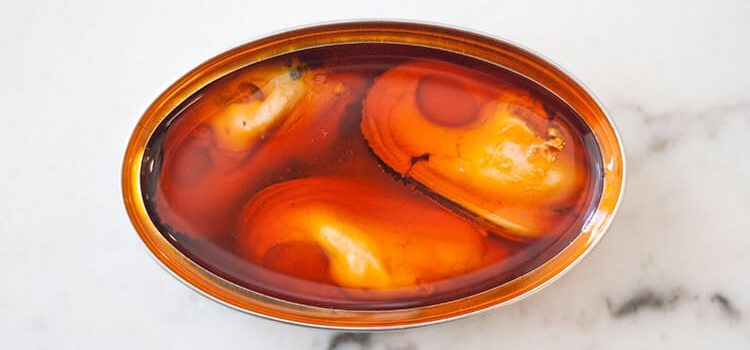 Nuestro producto: lata de mejillones Aquí Santoña